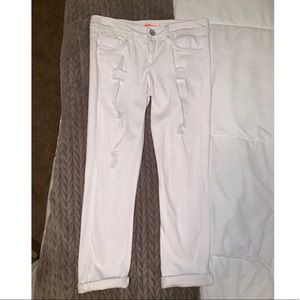 White distressed jean capris